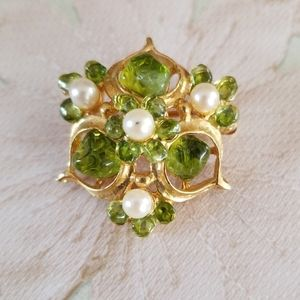 Vintage Faux Pearl Glass Stone Goldtone Brooch